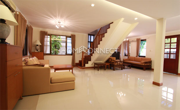 Western-Style Villa for Rent on Tran Nao