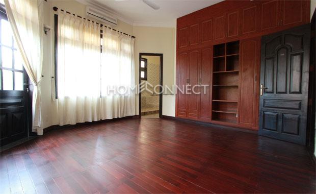 Attractive Contemporary 5-Bedroom Villa for Rental in Thao Dien