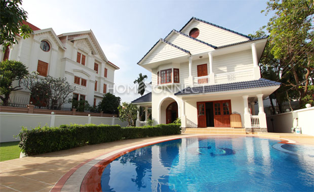 Western Style Villa Available For Rent