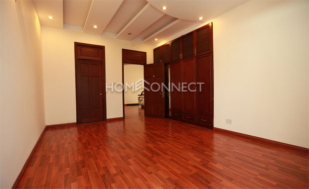 Colonial-style Private House for Rent in District 2
