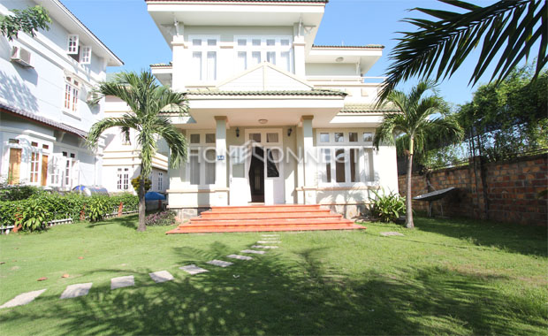 yard-amazing-villa-in-Lan-Anh-compound-for-rent-in-district 2-vc020317