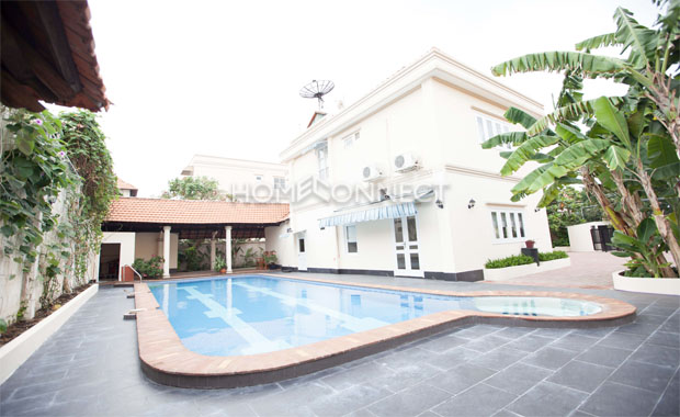 swimming-pool-for-rent-in-hcmc-pv020379