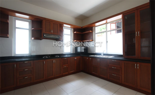 Beautiful 4-bedroom home for rent in Chien Thang Compound
