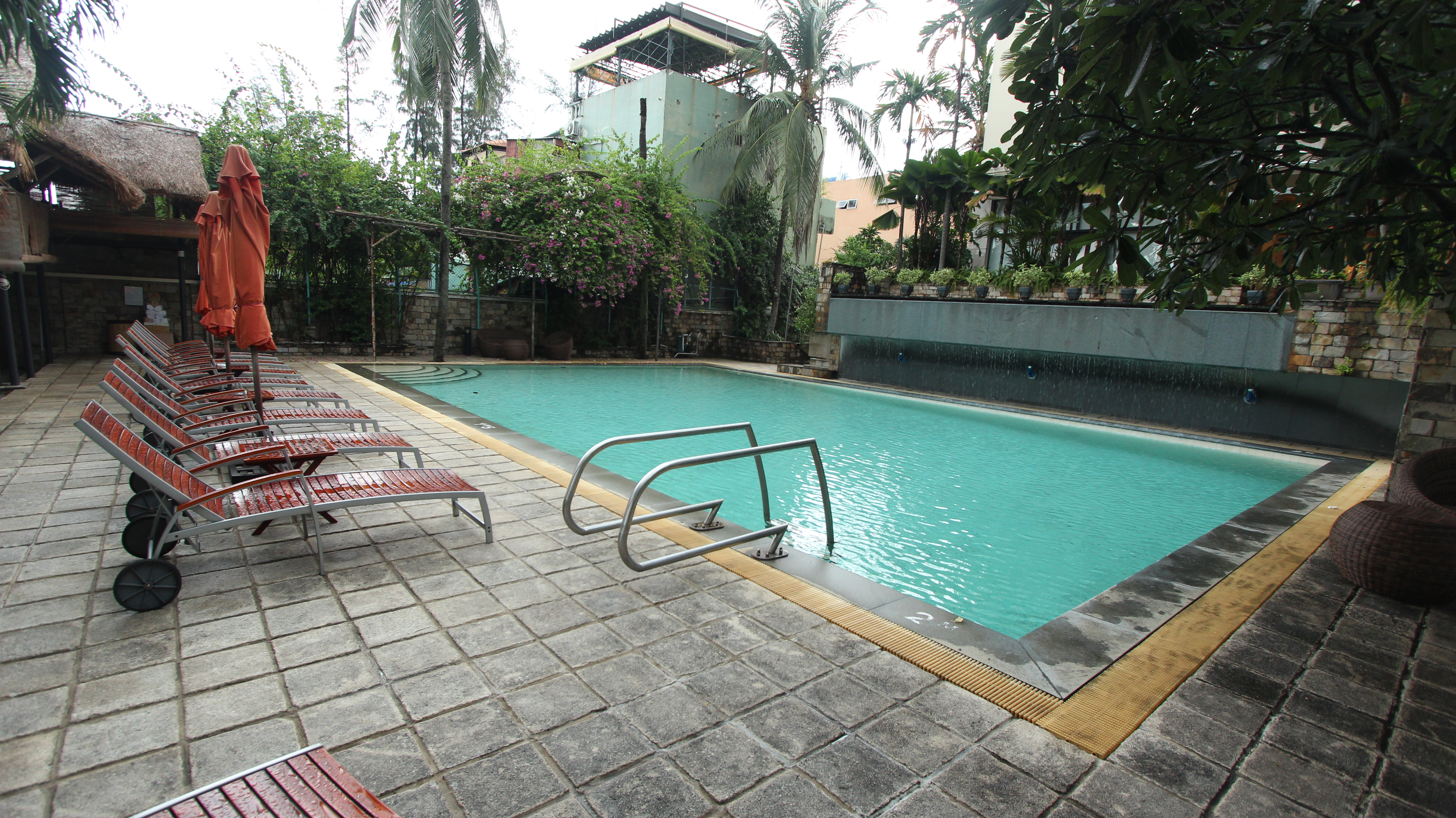 swimming-pool-apartment-for-rent-at-saigon-domaine-in-ho-chi-minh