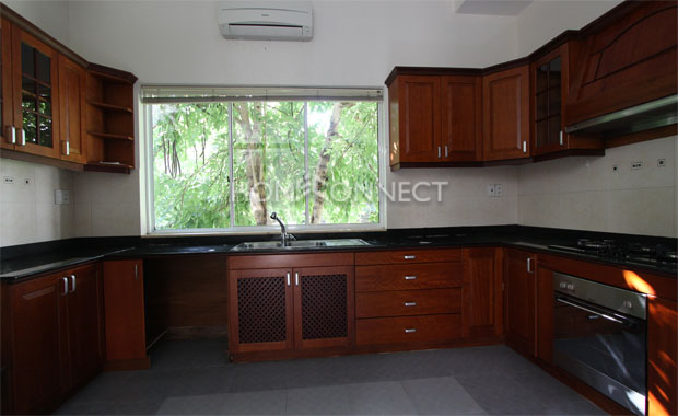 Pretty Villa for Rent in Secured Lan Anh Compound