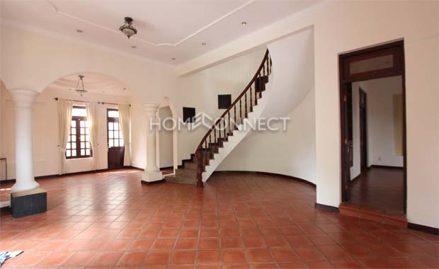 Classical Concept Villa for Lease in Expatriate Neighborhood