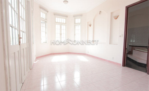 District 2 villa with Large Swimming Pool for Rent