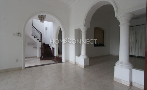 Five-bedroom House in Thao Dien Compound For Rent