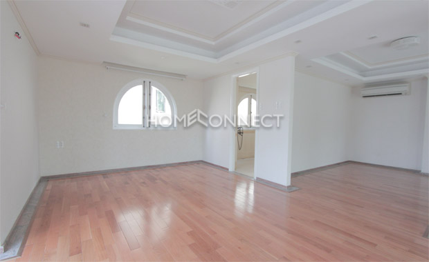 Newly Built Villa in Compound for Rent