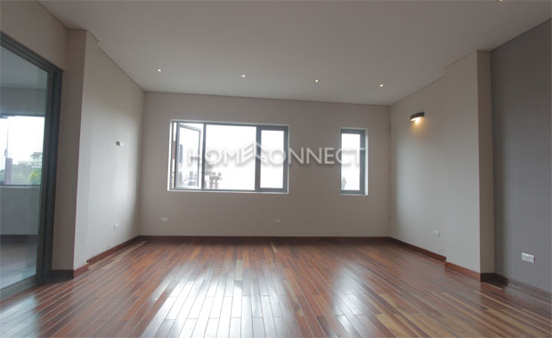 Attractive District 2 Home for Lease
