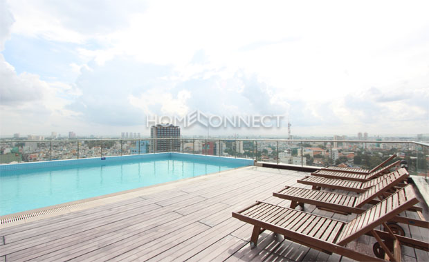 swimming-pool-apartment-for-rent-at-saigon-pavillon