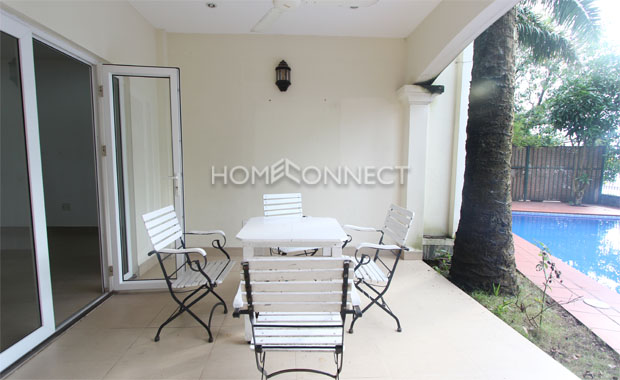 Nice 1-Storey Villa in Compound for Rent