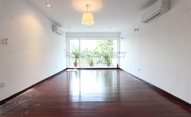 Quiet Compound Villa for Rent in Thao Dien
