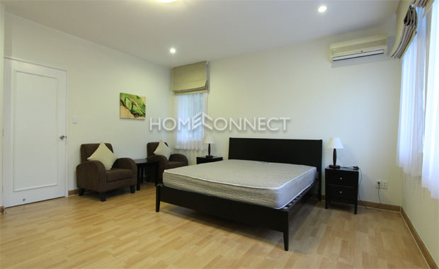 Modern District 7 Villa in Compound for Rent