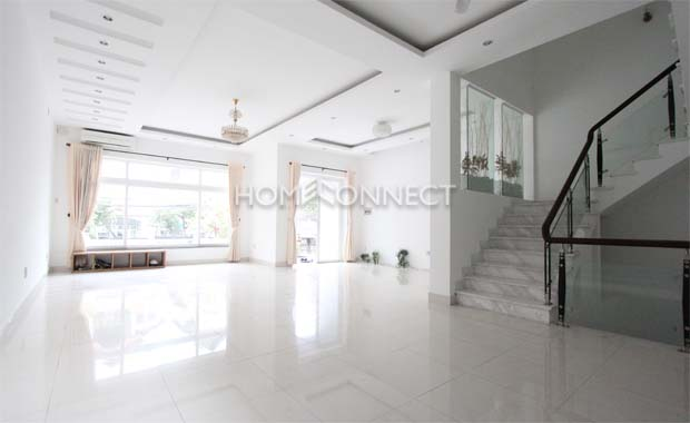 living-house-for-rent-near-school-th020223