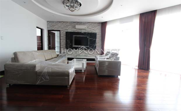 living-penthouse-for-rent-at-green view-in-district7-ap070776