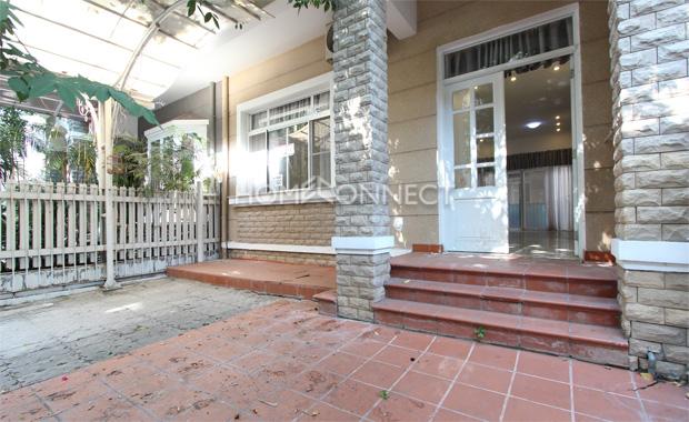 District 7 Quiet Neighborhood Home for Rent
