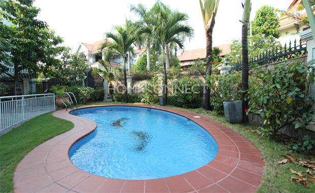swimming-pool-house-for-rent-in-compound-in-thao dien-vc020038