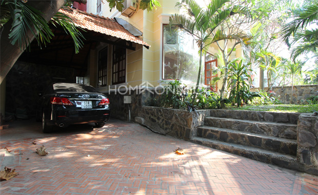 Villa with Pool for Rent in Chien Thang Compound