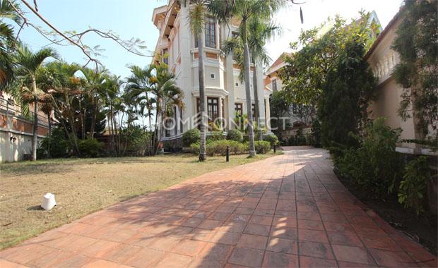 garden-house-for-rent-in-thao dien-in-hcmc-pv020122