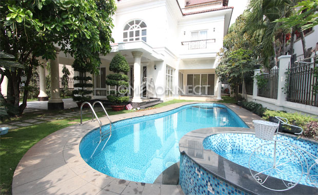 swimming-pool-house-for-lease-in-compound-in-thao dien-vc020370