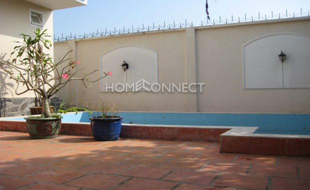 swimming-pool-house-for-rent-in-district 2-pv020043