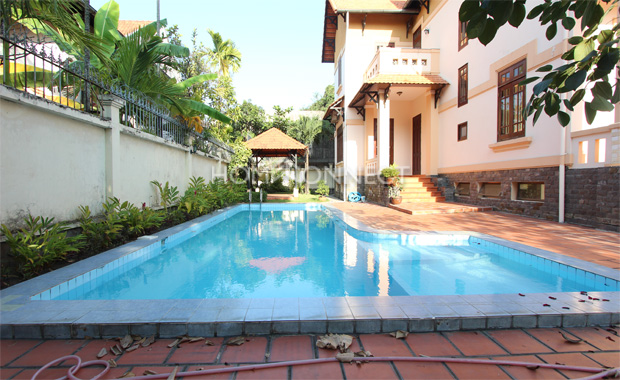swimming-pool-house-for-rent-in-district2-in-hcmc-pv020430