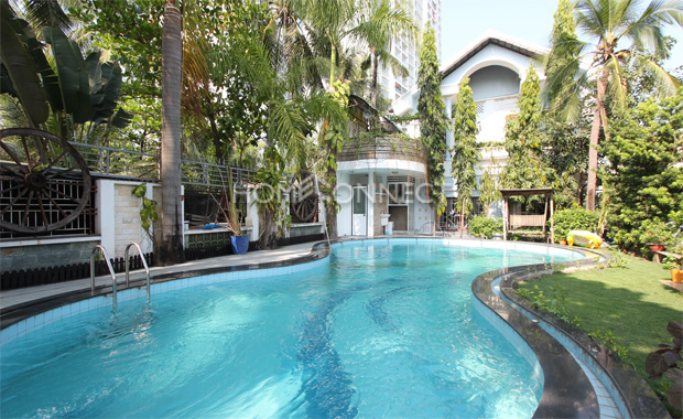 swimming-pool-private-villa-for-rent-in-district 2-pv020522_9
