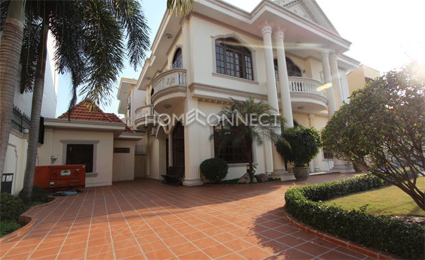 yard-private-home-in-district 2- for-rent-in-Saigon-pv020218_1