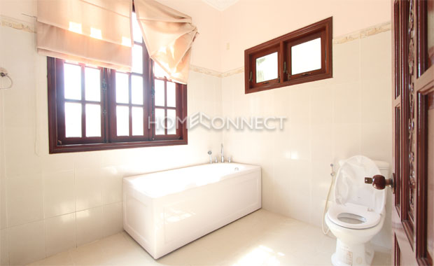 Tran Nao Nice Private Villa for Lease