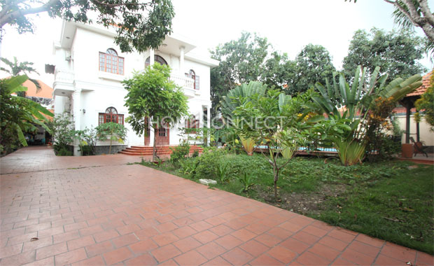 Garden-house-for-lease-in-thao-dien-district 2-pv020267
