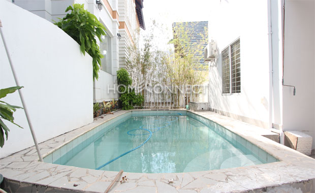 Swimming-pool-house-for-lease-in-tran-nao-in-district 2-pv020253