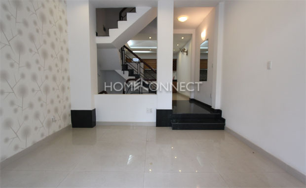 living-room-house-for-lease-in-thao-dien-in-district-2-th020158