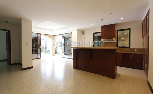 Friendly Compound Villa for lease in Thao Dien