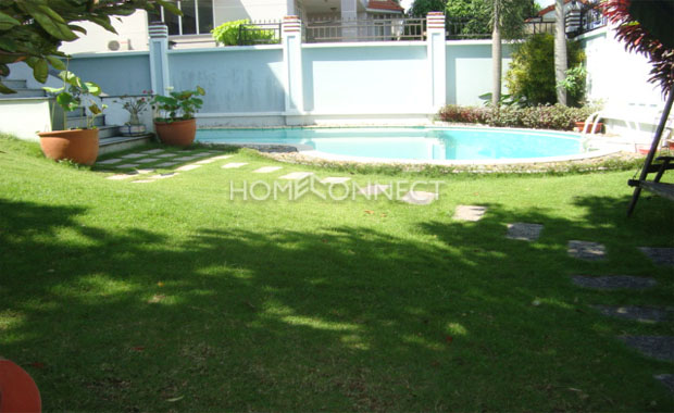 swimming-pool-villa-for-rent-in-thao-dien-in-district-2-pv020436