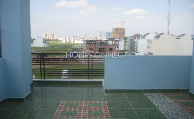 Bright Townhouse for Rent near Department Store in District 2