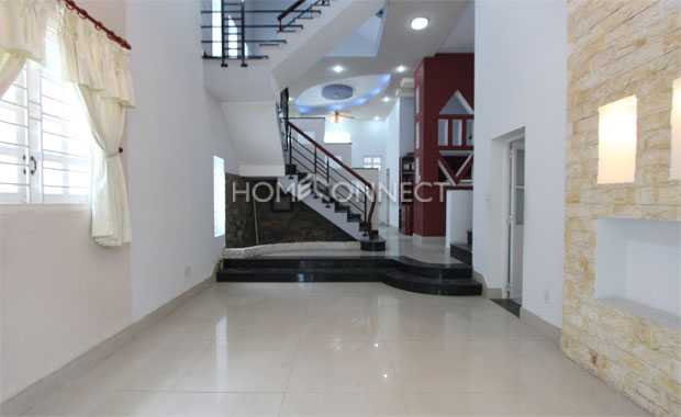 Living-room-house-for-lease-in-thao-dien-in-district 2-th020338