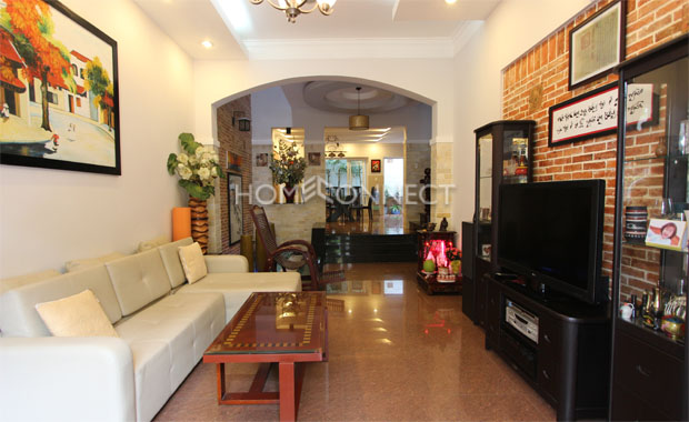 Living-room-house-for-rent-in-compound-in-thao-dien-in-district 2-vc020322