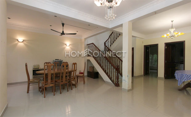 Living-room-house-for-rent-in-thao-dien-in-district 2-pv020542