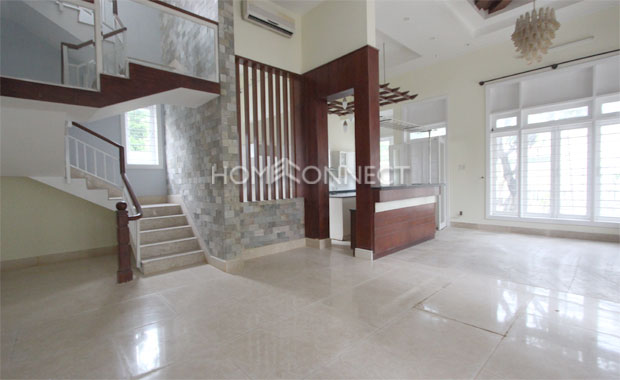 Living-room-house-in-compound-for-rent-in-district 2-vc020371