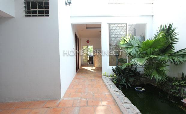 entrance-private-villa-for-rent-in-HCMC-pv020546