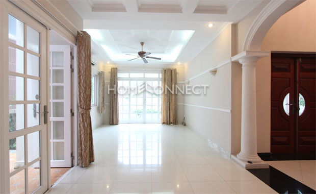 entrance-private-villa-in- district 2-HCMC-for-rent-pv020307