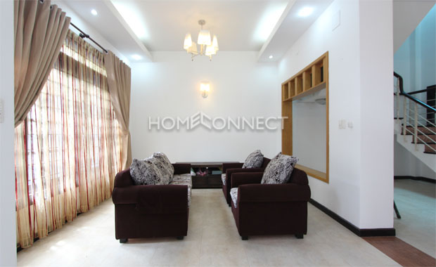 livingroom-townhouse-for-rent-in-HCMC-th020181