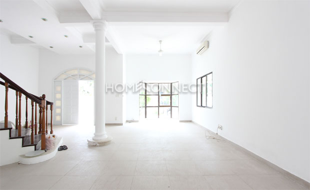 HCMC Unfurnished Villa in Compound for Lease