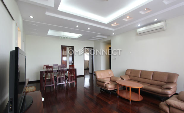 livingroom1-modern-Panorama-apartment-for-rent-in-district 7-ap07038