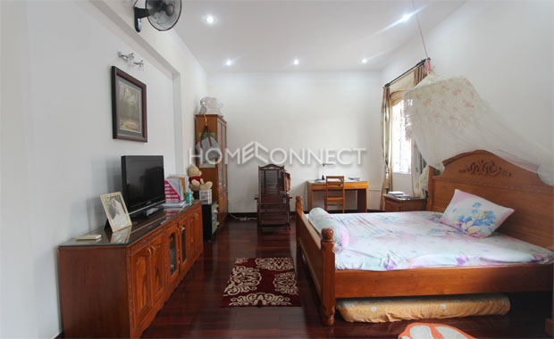 Tran Nao Fully-Furnished Private Villa for Lease in District 2