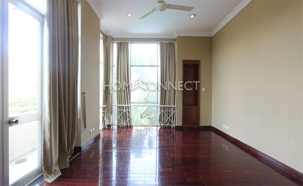 Bright Unfurnished Villa in Compound at Tran Nao for Lease-5342