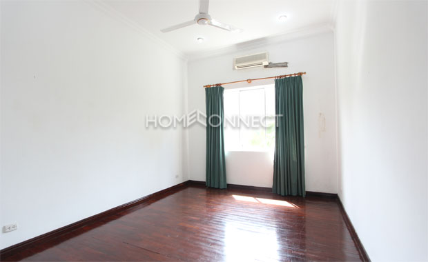 Bright Unfurnished Villa in Compound at Tran Nao for Lease-5343