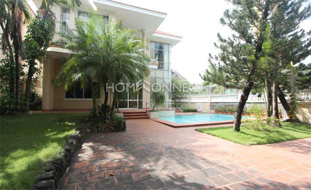 Bright Unfurnished Villa in Compound at Tran Nao for Lease-5348