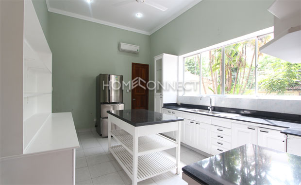 Bright Unfurnished Villa in Compound at Tran Nao for Lease-5345